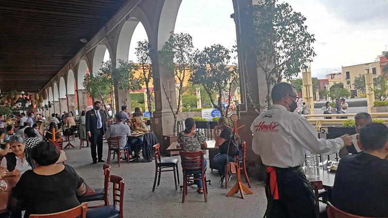 Indoor and outdoor seating at Hanks Queretaro City, Mexico