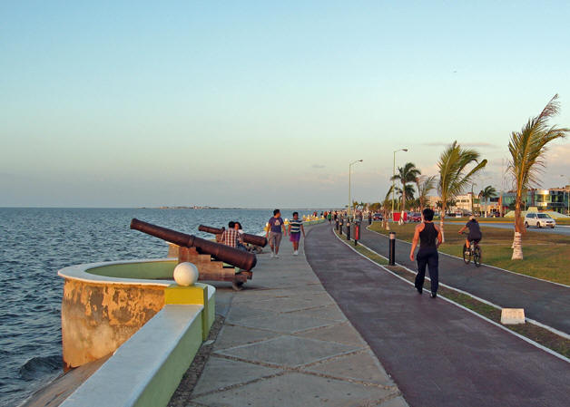 A better view of the malecon or walking street