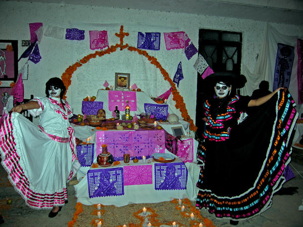 Dressing as Catrinas is very popular during The Days of the Dead. Chapala, Mexico